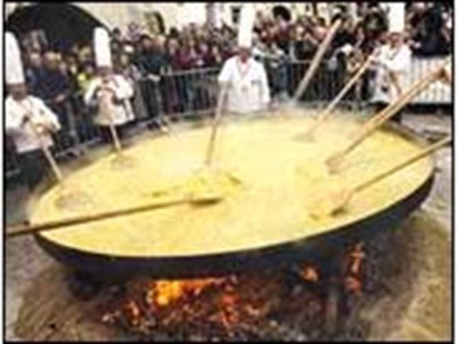 600 kiloluk dev omlet